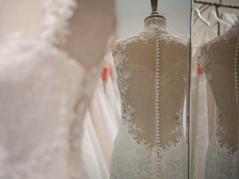 modern wedding dresses.jpg