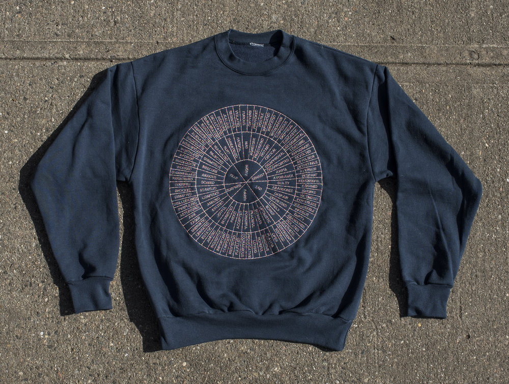 FEEL WHEEL —- E M B R O I D E R E D —- CREW NECK —-navy blue