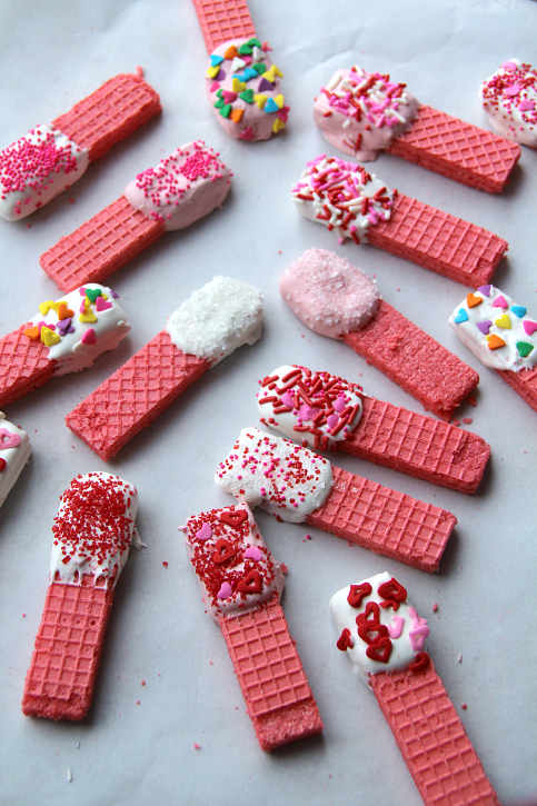 Easy-Valentines-Day-Cookies-FamilyFreshMeals.com-Easy-and-YUMMY.png