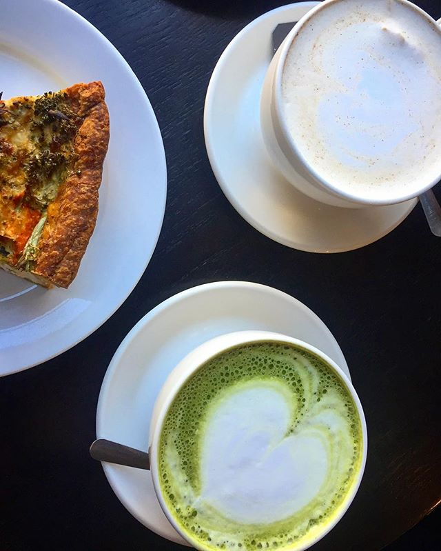 Tea and quiche @planetbeancoffeeco 🍵 #healthy #wellness #guleph #vegetarian #chai #matcha #happy #lunch #brunch #healthyhayles