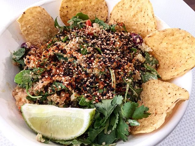 Passionate Bowl 💚from @caliiloveco #salad #toronto #healthy #wellness #kingwest #glutenfree #cleaneating #healthyhayles #cali #yum #happy #eatwell