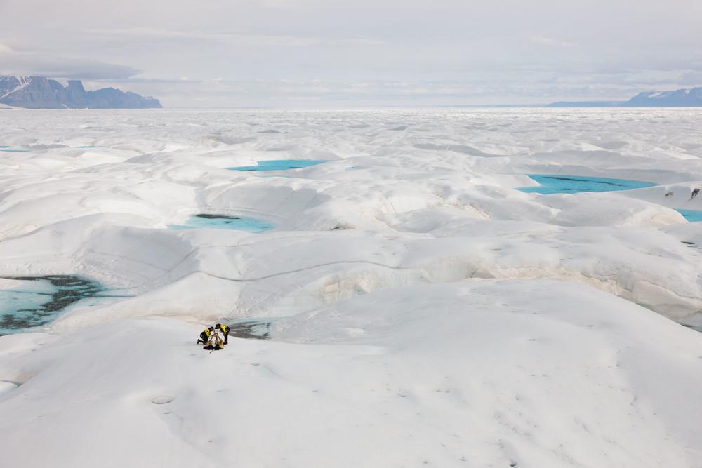Scientists place a GPS unit on Petermann glacier