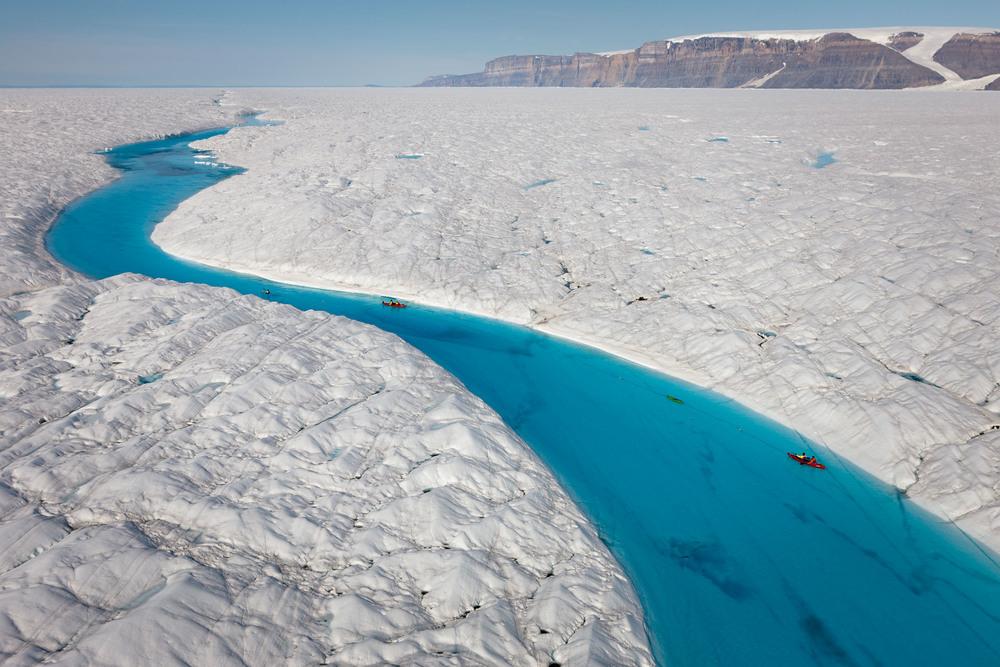 Kayaking scientists tow radar across Petermann glacier