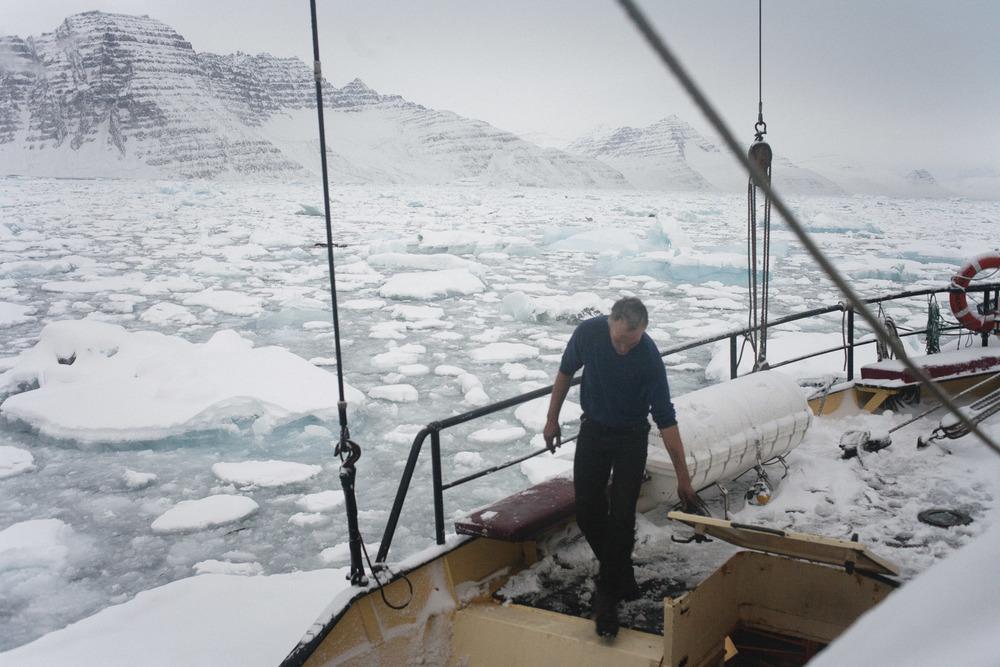 Nick-Cobbing-Noorderlicht-Arctic-sailing-ship-06.jpg