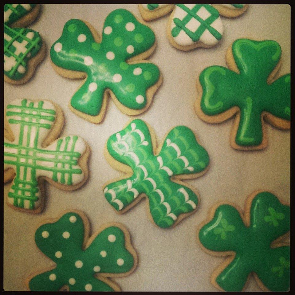 st patricks day clover cookies.jpg