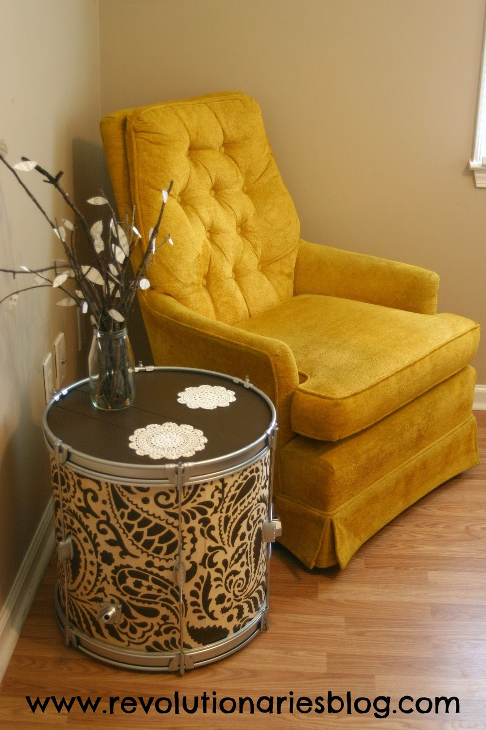 drum-table-with-doilies.jpg