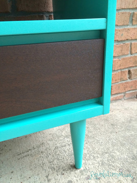 Before and After: The Patina Green Mid Century Side Table!
