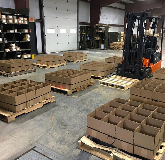 Busy day in the warehouse. Don't forget we offer customized packaging options to speed up time on your job site. ▪️ For quotes call (315)689-3981 ▪️ #bennettboltworks #bennettbolt #ny #newyork #america #merica #manufacturing #guardrail #highwayguardrail #construction #bridgeconstruction #machineshop #steel #aluminum #structuralsteel #steel #bolts #anchors #galvanized #galvanizing #anchorbolts #usamade #stainlesssteel #plasma #plasmacutting #plasmaart