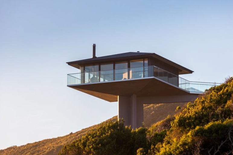 Frank Dixon - Pole House-4.jpg