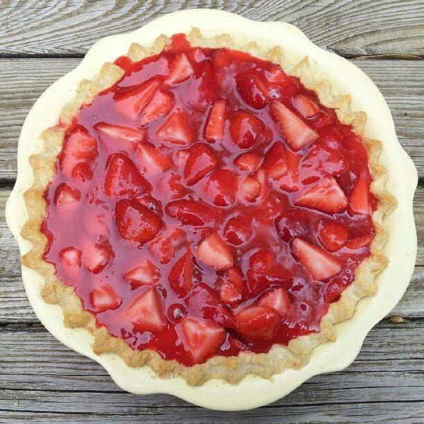 maximum living glazed strawberry pie.jpg