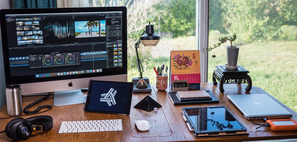 Trez Filmz Desk