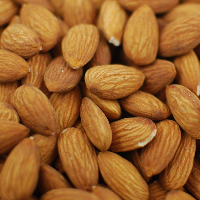 Raw Almonds 20/22