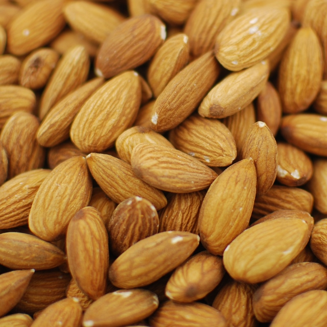 Raw Almonds 40/50