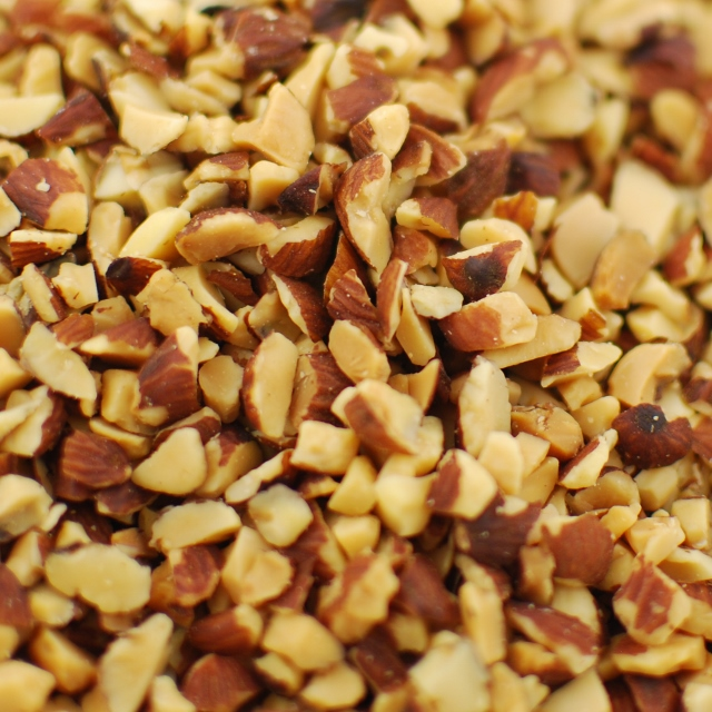 Roasted Medium Diced Almonds