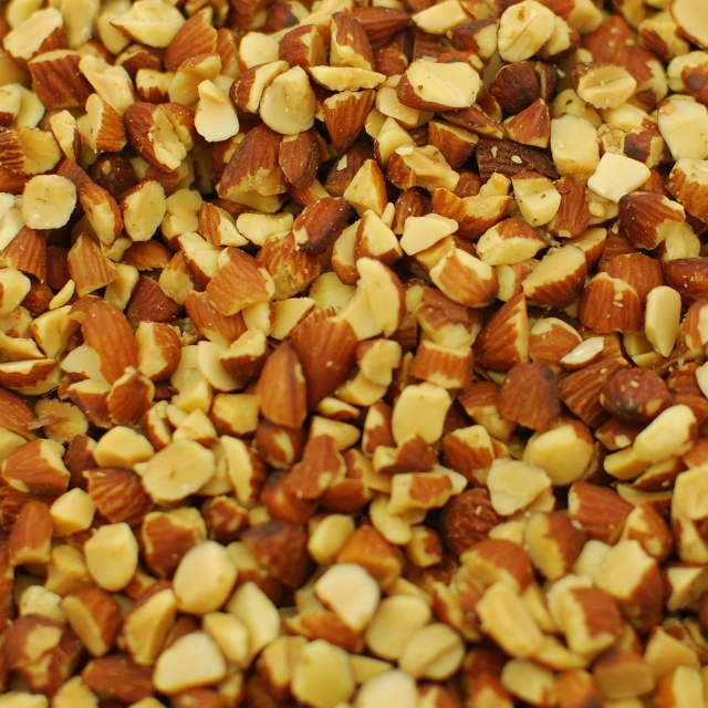Roasted Large Diced Almonds