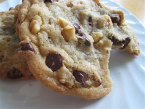 walnut-chocolate-chip-cookies1.jpg