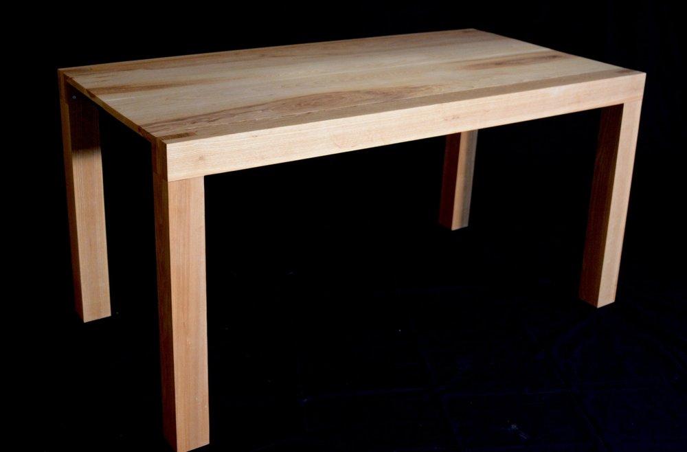 Ash extendable table