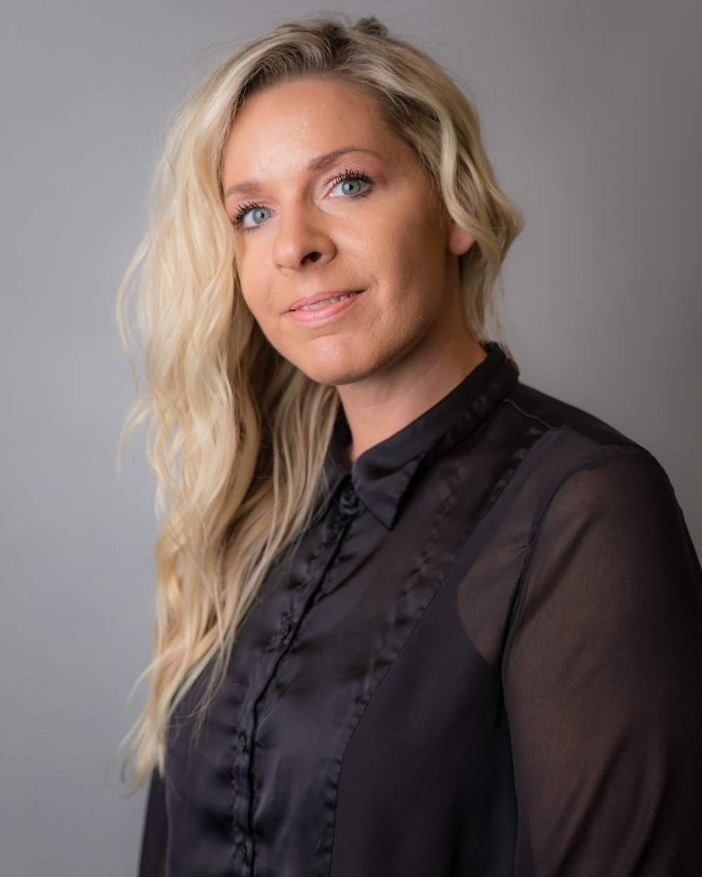 Kelly Gillis - @hairbykellygillisSince 2006Recent TrainingGoldwell: Robert Brown - Fierce Formulations & @PURE PIGMENTSGoldwell Academy NYCGoldwell: Formulation, Blondes & Highlights, Corrective WorkRedken NYCColoring & Cutting with Lauren Hagen
