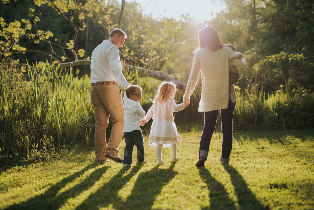 Summer nights in Ridgefield,Ct Family lifestyle Photographer
