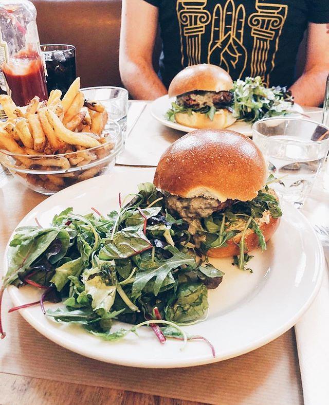 VDay 💕 Celebrate Love with a Burger 🍔✨ by @anastasia__n #repost #bestburgerintown #yummy #instafood #foodporn #vday #burger #leruisseau