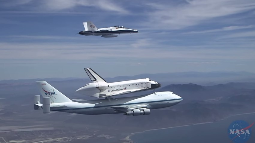 Shuttle Endeavour over Southern California.jpg