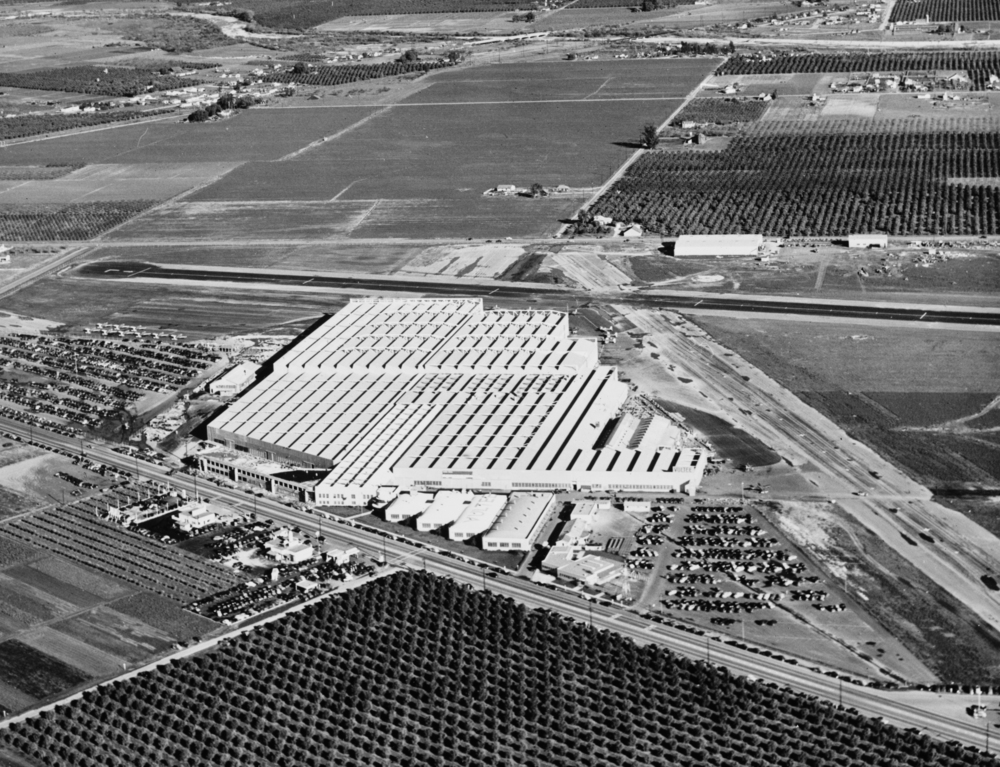 As war looms, the Vultee plant expanded 1940's