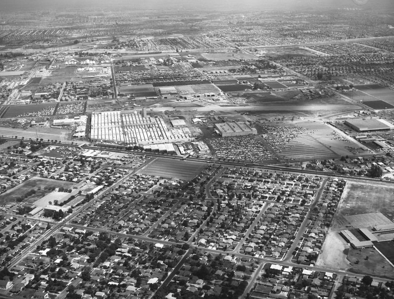 Aerial view of Downey and North American Aviation