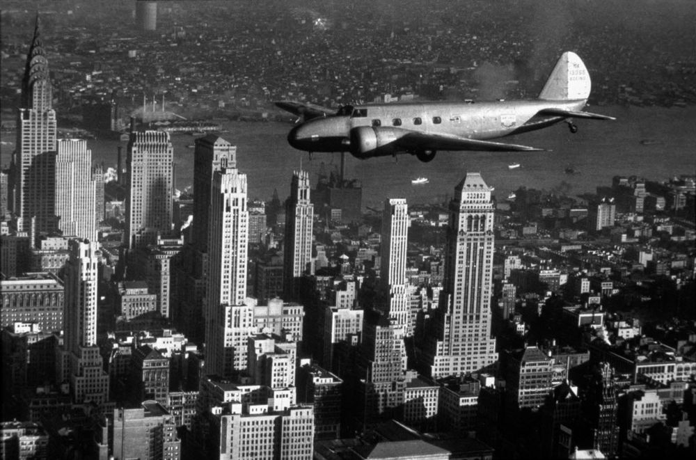 Boeing Model 247D, shown flying over New York City. flyingmag.com