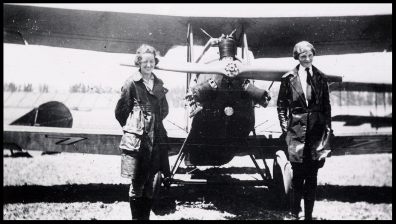 Flight instructor Neta Snook with student pilot Earhart at Kinner Field, Los Angeles, 1921. In 1923 Earhart became the 16th woman to receive an FAI pilot's license.