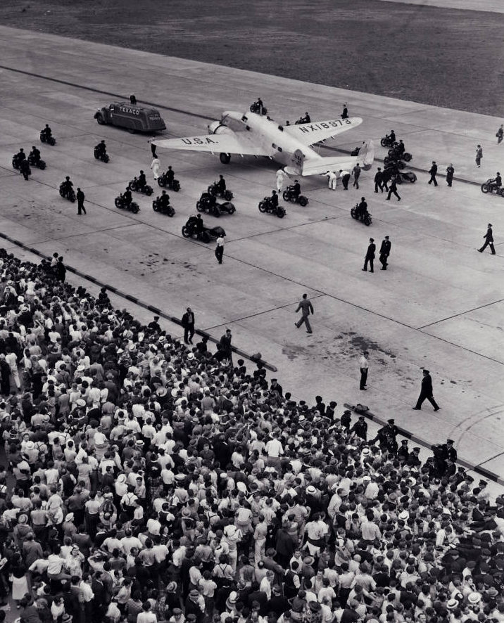 Photograph_of_Howard_Hughes_in_New_York_July_1938.jpg