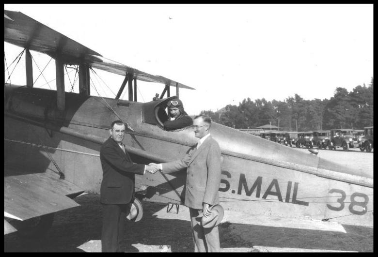 Il 15 luglio 1916, William Boeing e George Conrad Westervelt fondano insieme la Pacific Aero Products. Nel 1917, la compagnia prende il nome Boeing.