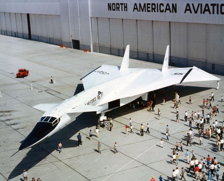 XB-70-Valkyrie-1.jpg