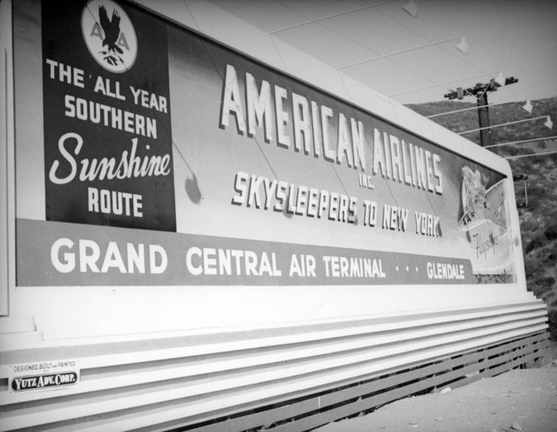 American Airlines Grand Central Air Terminal sign oblique view 1937.jpg