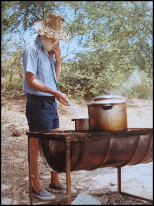 Eldon cooking in the kiawe