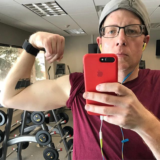 When you actually have muscles. #weightlosstransformation #gymaddict #workoutmotivation #veganfitness #pma