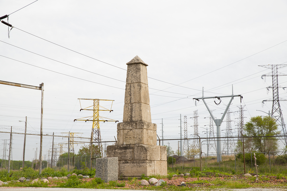 illinois/indiana obelisk