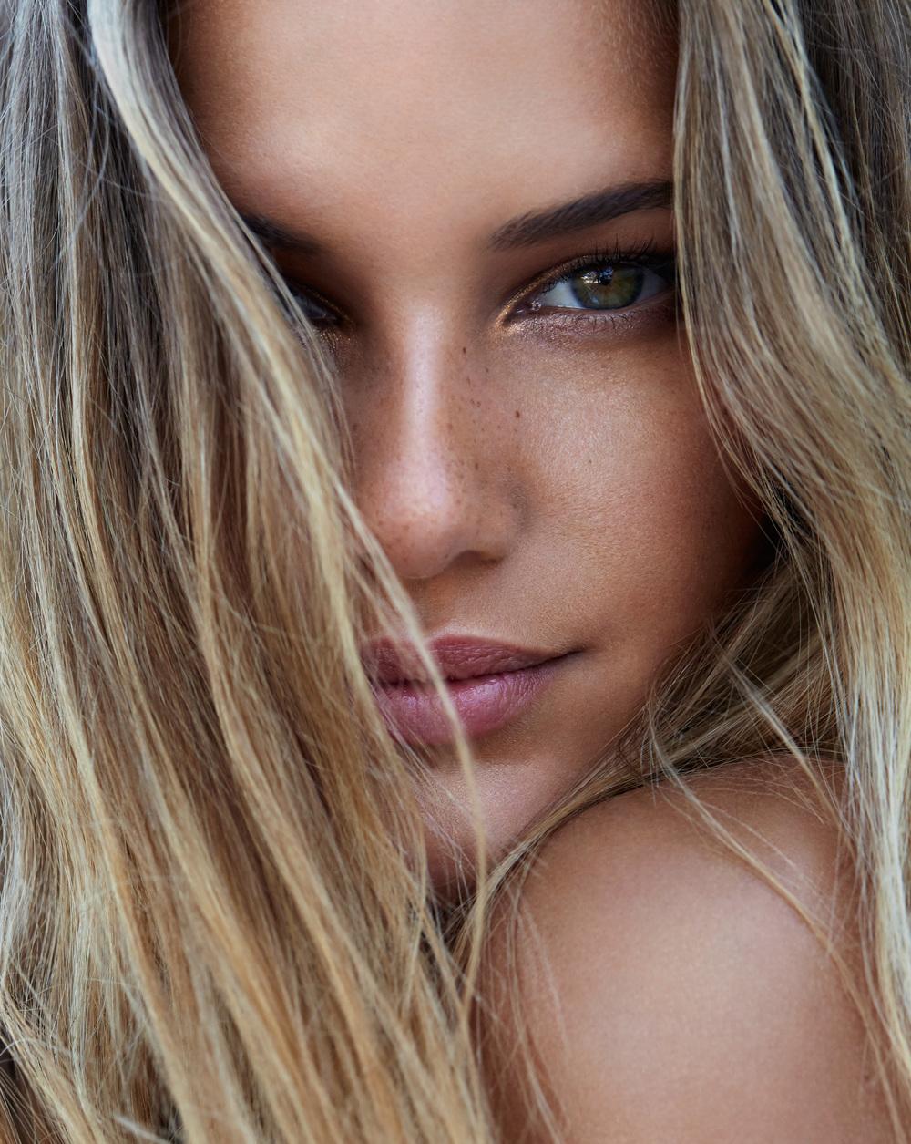 Rae Morris Makeup 2