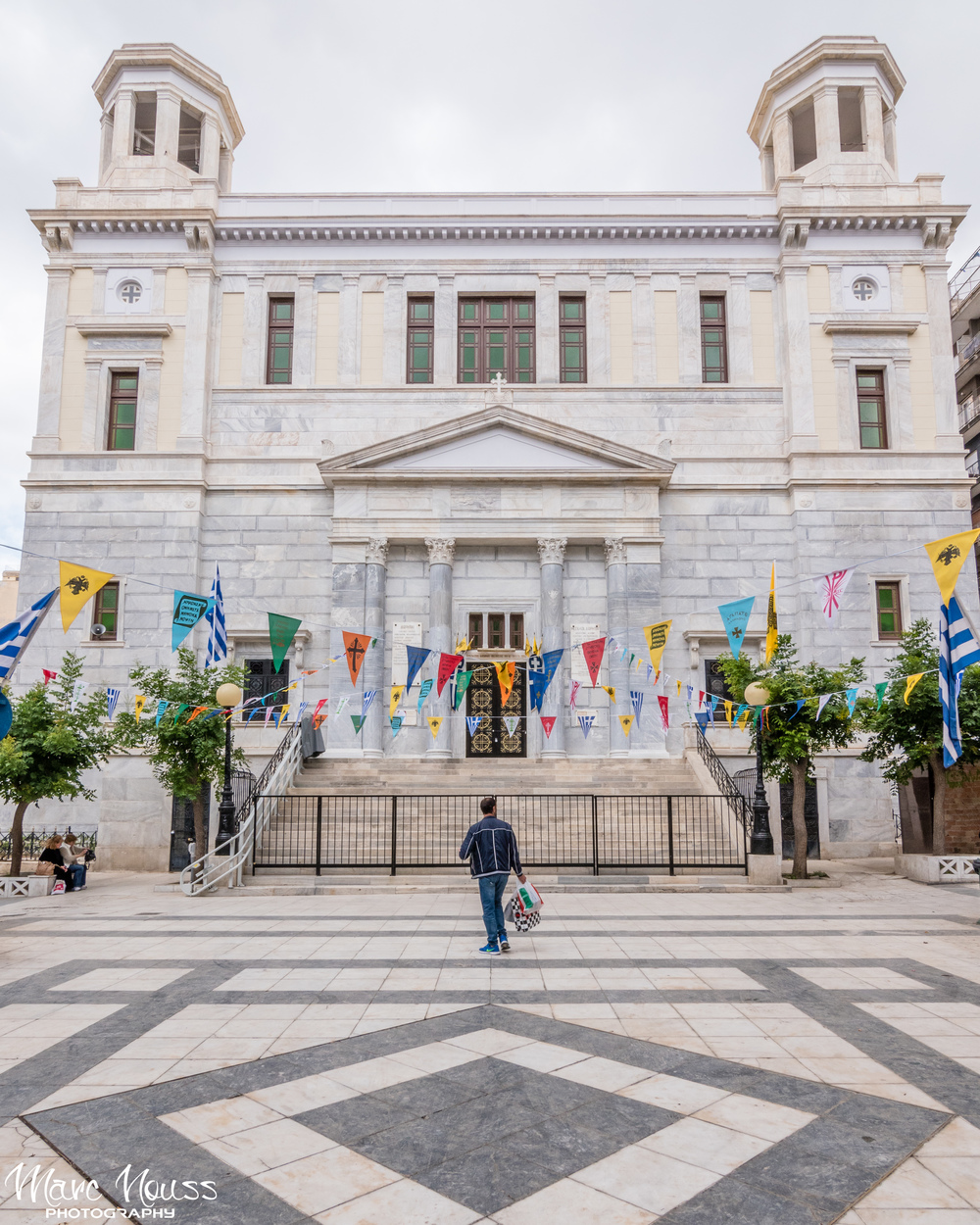 Let's continue the visit with the beautiful churches of Athens.