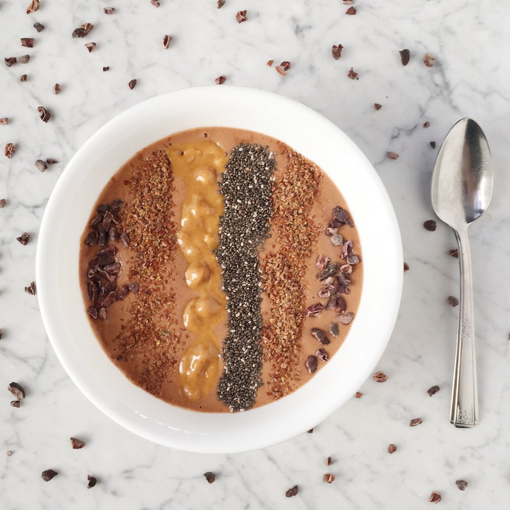 Chocolate + PB Smoothie Bowl Girls Got Goalz