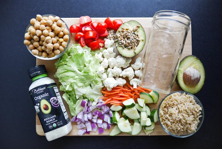 (How to make a) Mason Jar Salad