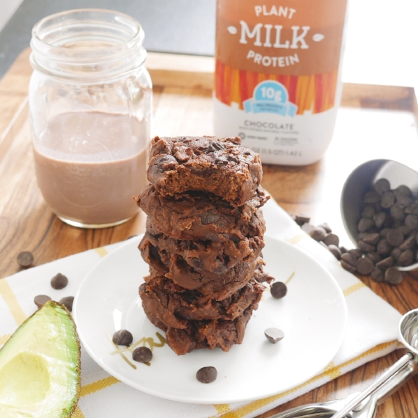 Double Dark Chocolate Cookie Recipe (V) using Bolthouse Farms Chocolate Plant Milk | Girls Got Goalz