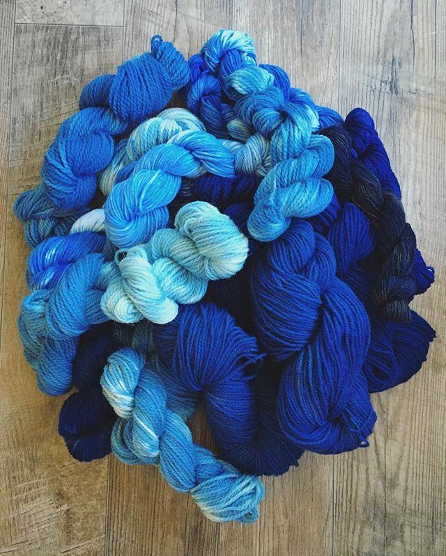 Success!!! 🌿💙🌿 . . . . #barnyardsaintsart #fiberart #indigo #yarnofinstagram #fiberporn #yarnporn #handdyedyarn #handdyed #wool #knittersofinstagram #yarnforsale #indigodye