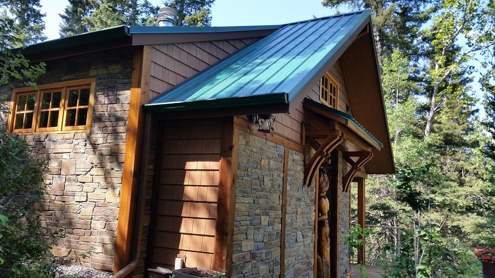CUstom cabin in - priddis