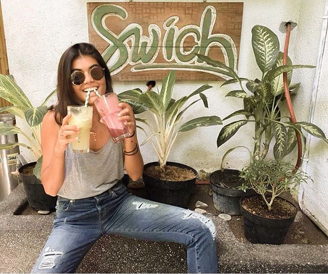 "Come get your juice fix at Swich today.. 🍎 🥝 🍓 🍌We are using organic ingredients as much as possible and of course locally sourced! ""@hellojayem playing in our Spark Your Day and Sun Soaker Juice"".. Two is better than one, huh? 🍹✨"