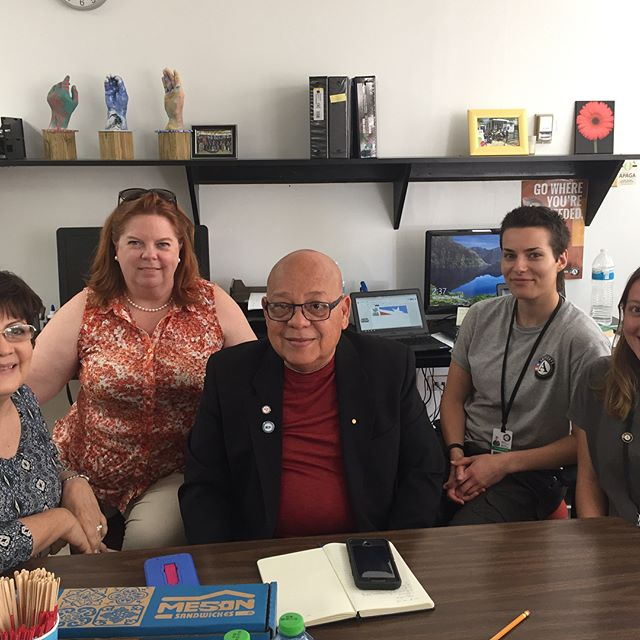 #supportPR 🙌🏼Working with Americorps on disaster recovery strategy in Puerto Rico 🇵🇷 Thanks to Doris Báez, Executive Director; me; Pastor Edwin Nazario, VOAD; Megan & Erica! #volunteering #puertorico @nationalservice