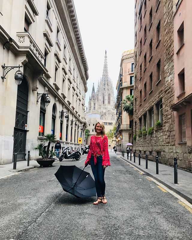 Insert some super clever quote about taking life by the balls in Barcelona 👩🏼⚕️👩🏼🎓🤣 happy graduation to me