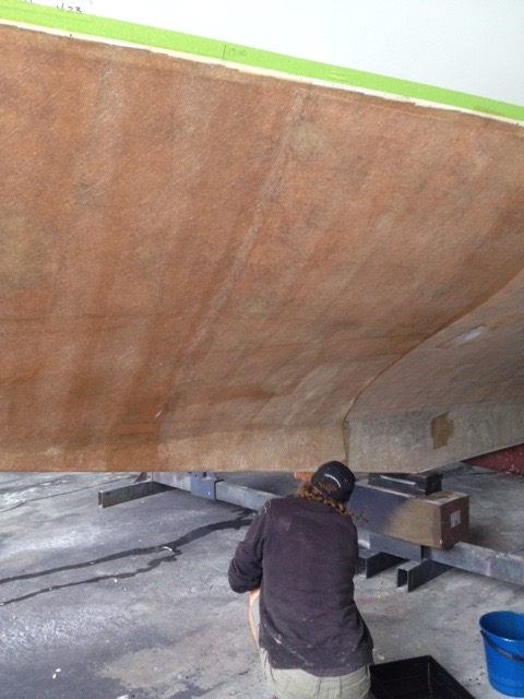 Sand blasting a hull back to bare gel coat