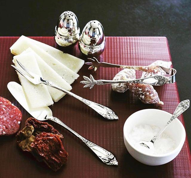 Nyyt helgen med god mat og sølvtøy ✨🍴🍷 @th.marthinsen  #sølvtøy #sølvbestikk #thmarthinsen
