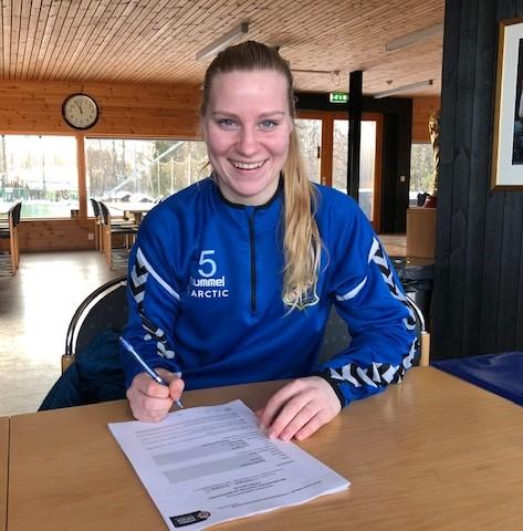 Camilla signerer for Lyn sesongen 2019