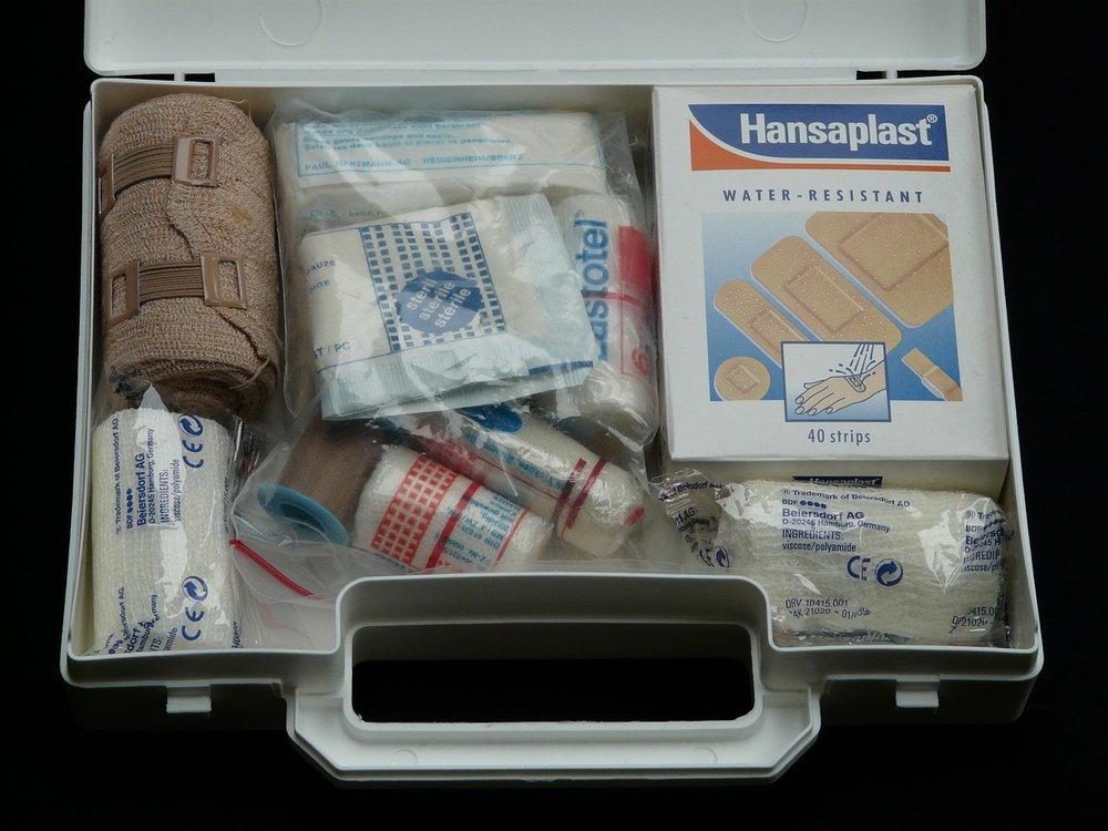 first-aid-kit-62643_1280.jpg
